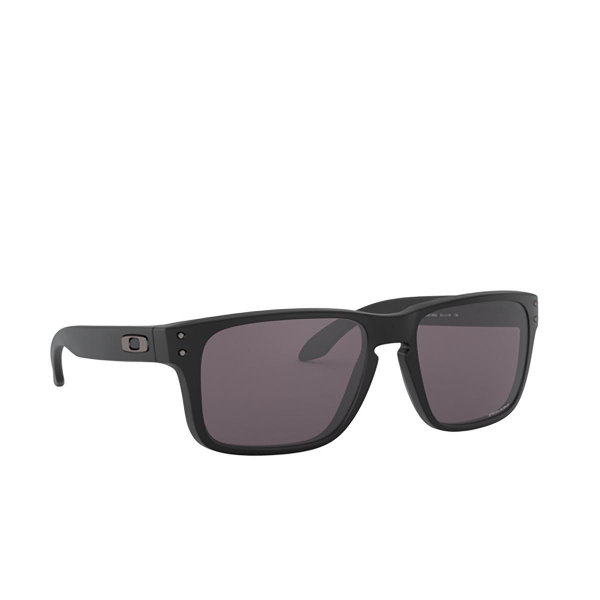 Oakley® Square Sunglasses: Holbrook Xs OJ9007 color Matte Black 900709 - three-quarters view.