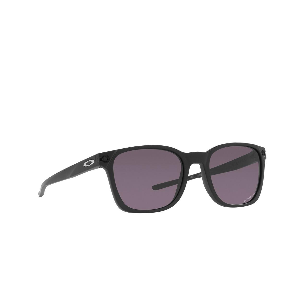 Oakley® Square Sunglasses: Ojector OO9018 color Matte Black 901801 - three-quarters view.