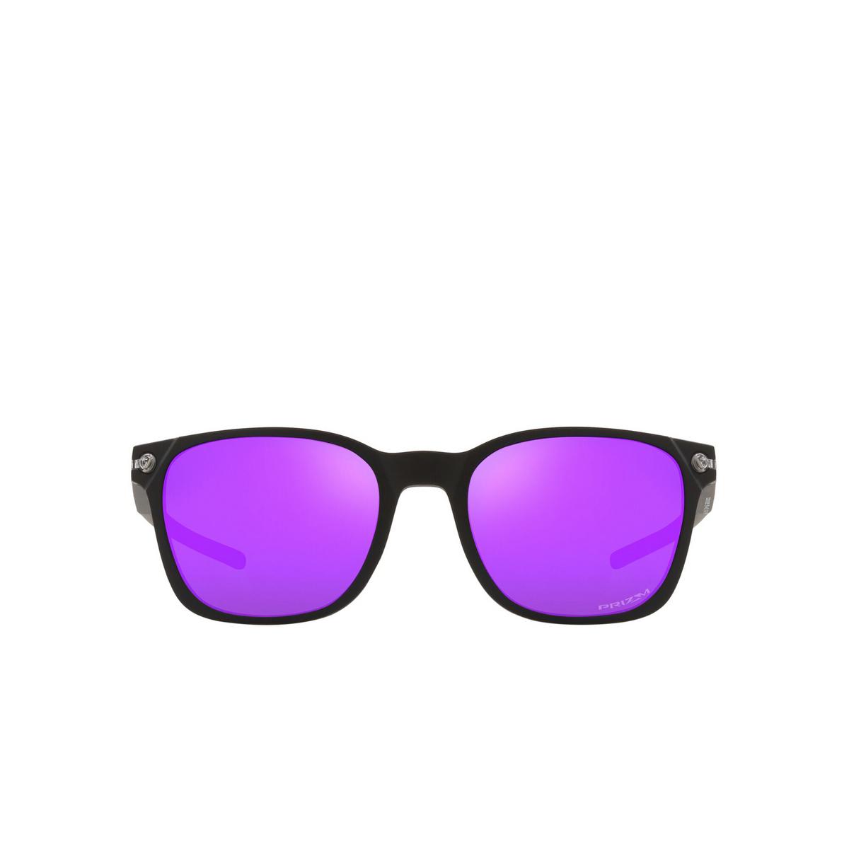 Oakley® Square Sunglasses: Ojector OO9018 color Matte Black 901803 - front view.