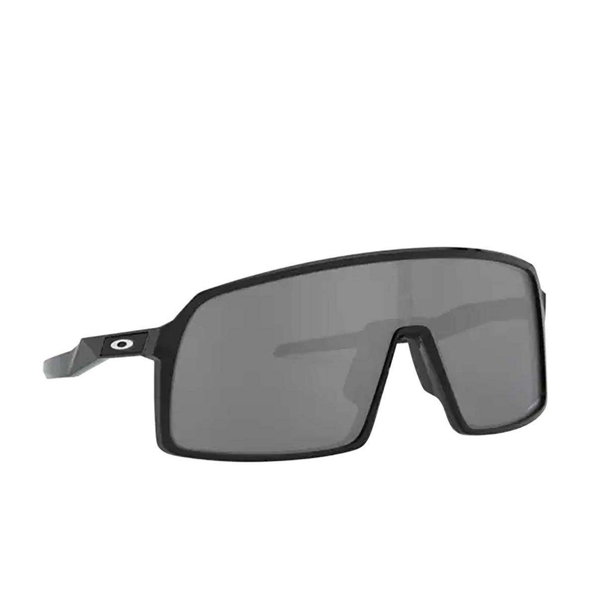 Oakley® Sport Sunglasses: Sutro OO9406 color Polished Black 940601 - three-quarters view.
