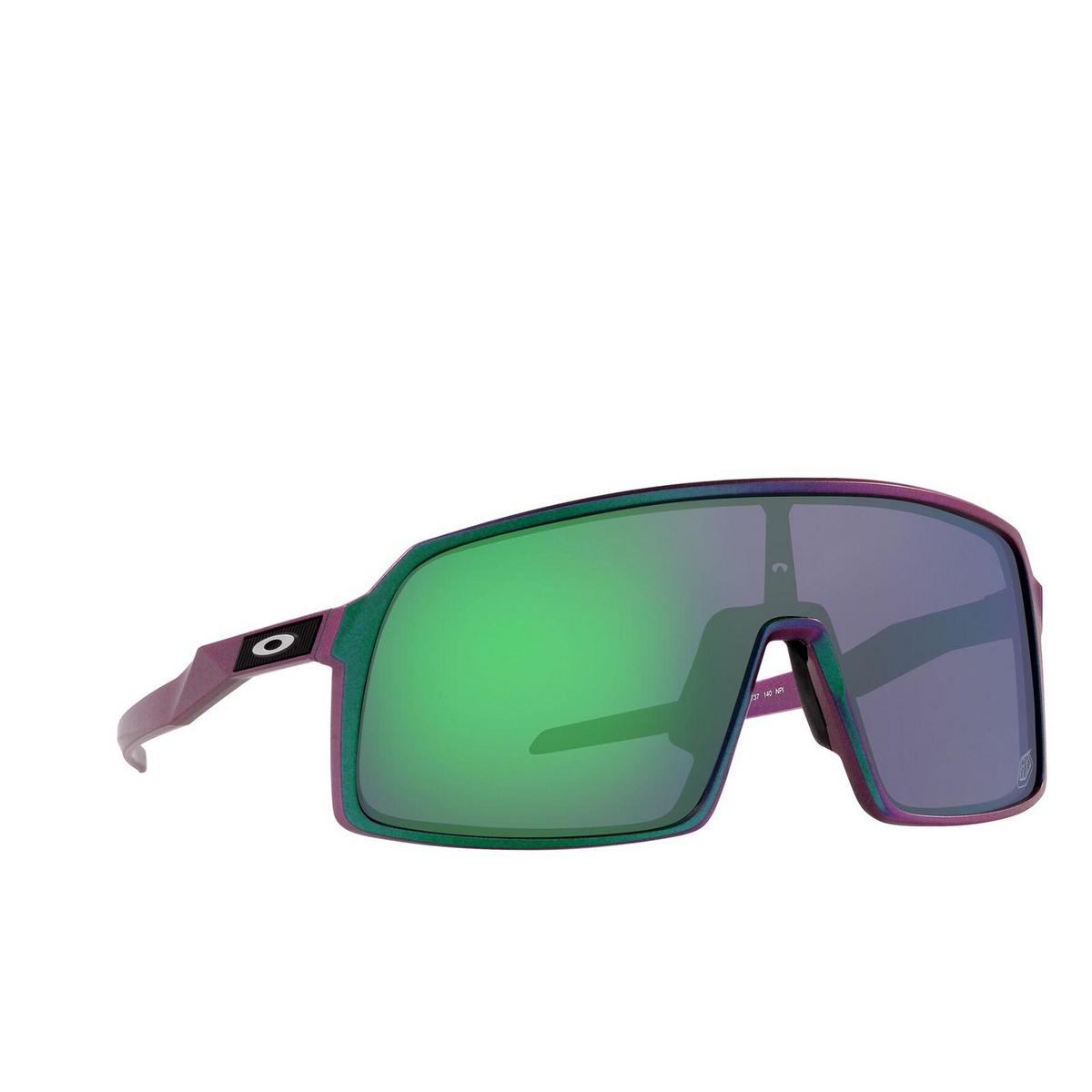 Oakley® Rectangle Sunglasses: Sutro OO9406 color Tld Matte Purple Green Shift 940647 - three-quarters view.