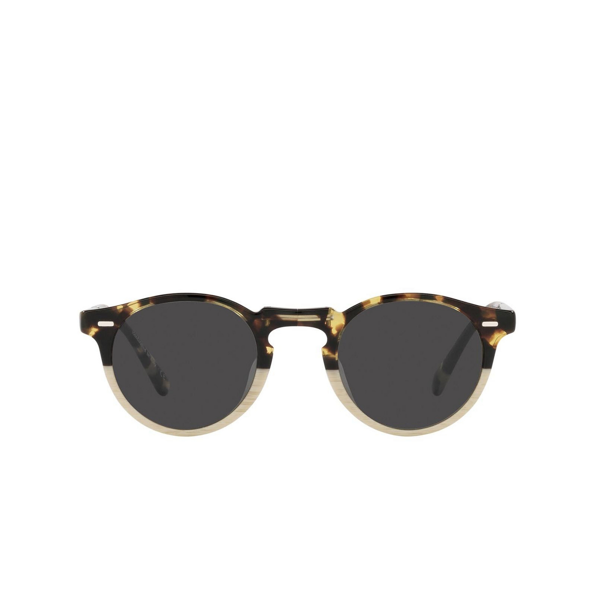 Oliver Peoples® Round Sunglasses: Gregory Peck 1962 OV5456SU color Dtb/beige Gradient 1589R5 - front view.