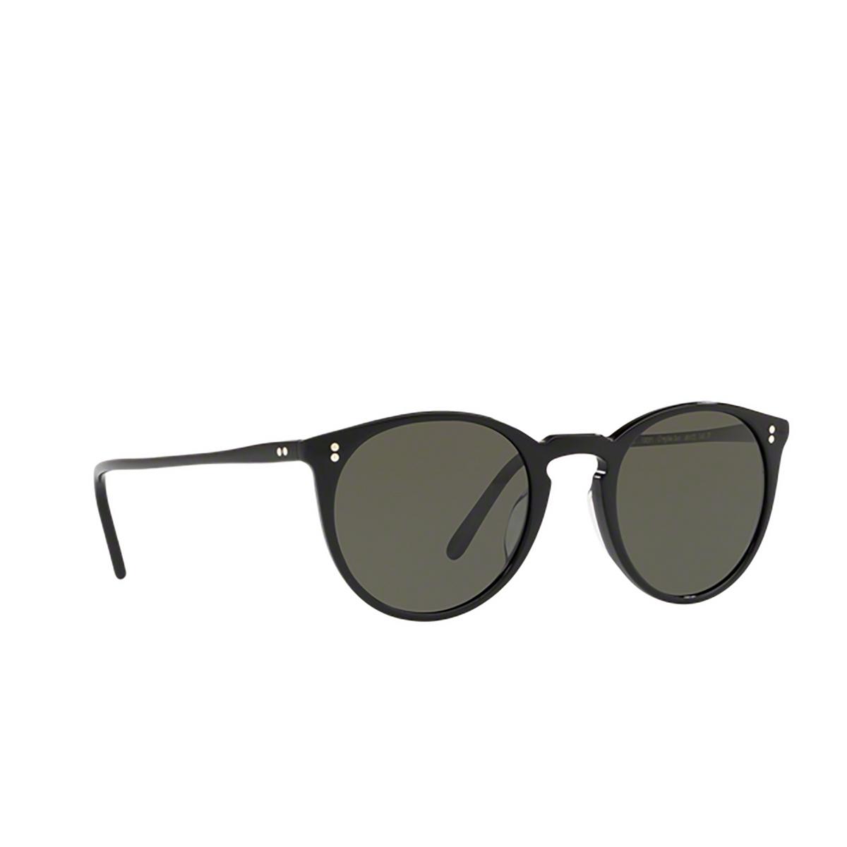 Oliver Peoples® Round Sunglasses: O'malley Sun OV5183S color Black 1005P1 - three-quarters view.