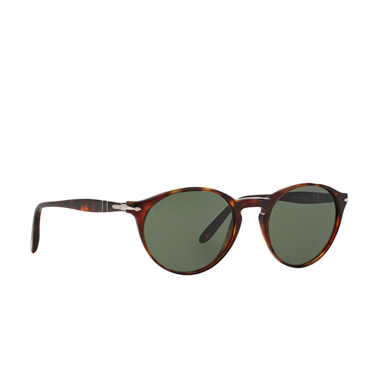 Persol® Round Sunglasses: PO3092SM color Havana 901531 - three-quarters view.