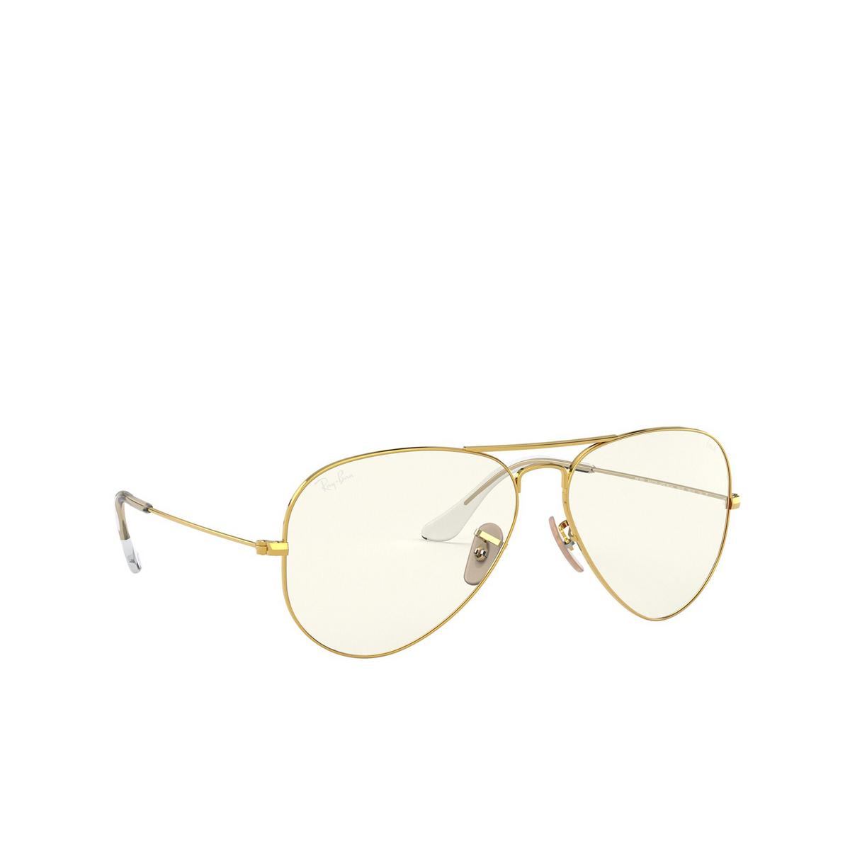 Ray-Ban® Aviator Sunglasses: Aviator Large Metal RB3025 color Arista 001/5F - three-quarters view.