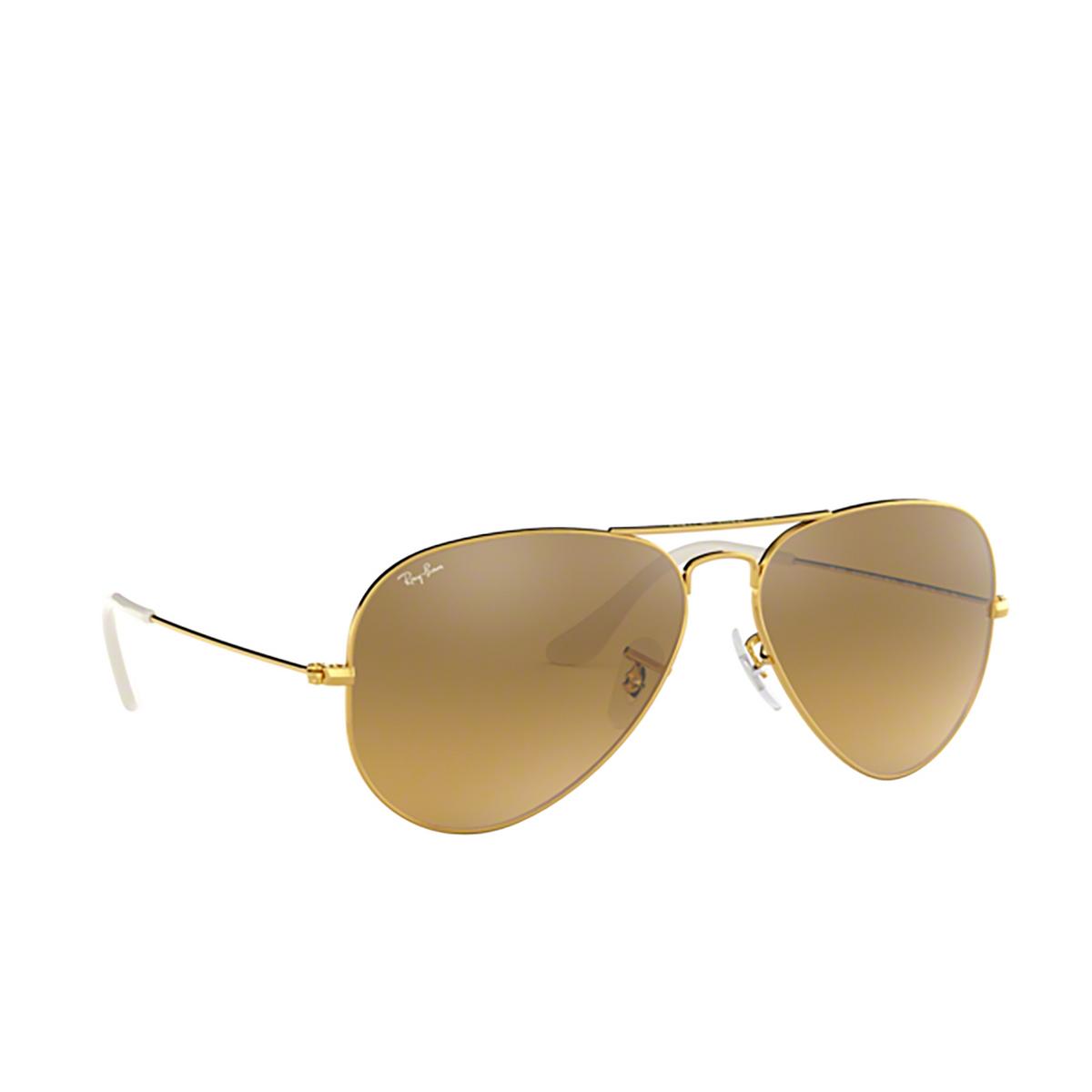 Ray-Ban® Aviator Sunglasses: Aviator Large Metal RB3025 color Arista 001/3K - three-quarters view.