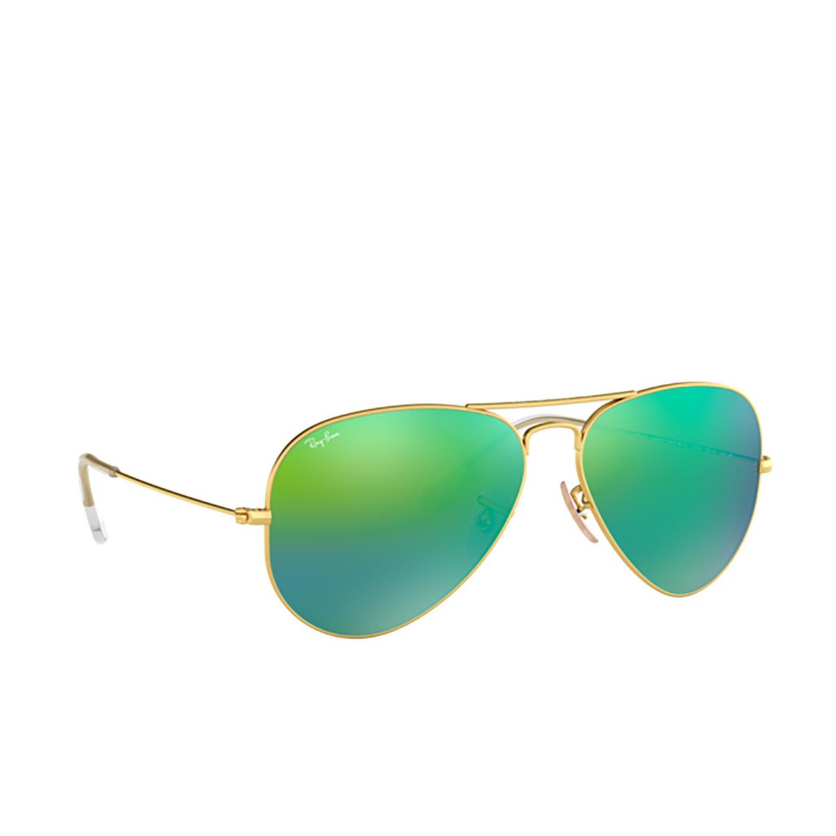 Ray-Ban® Aviator Sunglasses: Aviator Large Metal RB3025 color Matte Arista 112/19 - three-quarters view.
