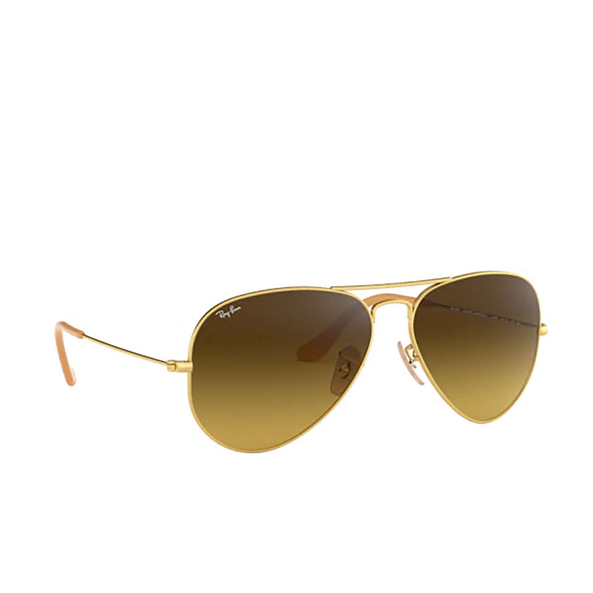 Ray-Ban® Aviator Sunglasses: Aviator Large Metal RB3025 color Matte Arista 112/85 - three-quarters view.