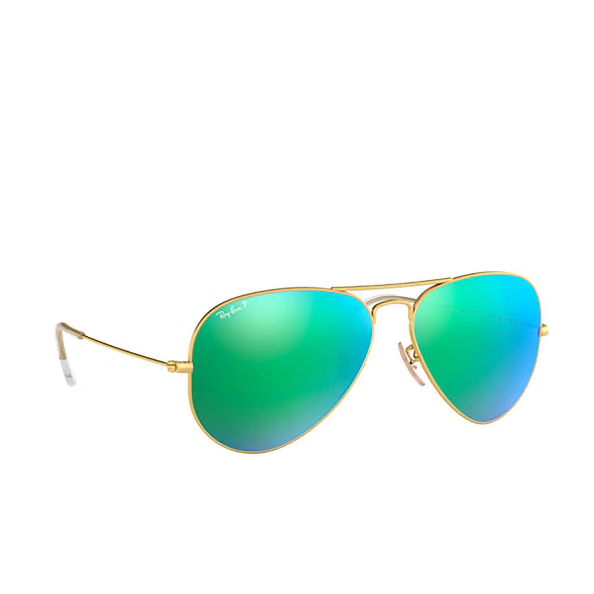 Ray-Ban® Aviator Sunglasses: Aviator Large Metal RB3025 color Matte Arista 112/P9 - three-quarters view.
