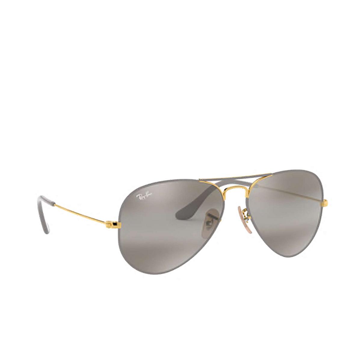 Ray-Ban® Aviator Sunglasses: Aviator Large Metal RB3025 color Matte Grey On Arista 9154AH.