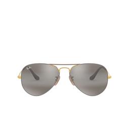 Ray-Ban® Sunglasses: Aviator Large Metal RB3025 color Matte Grey On Arista 9154AH.