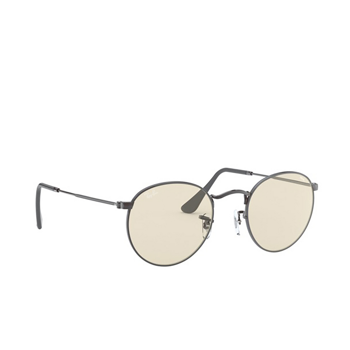 Ray-Ban® Round Sunglasses: Round Metal RB3447 color Gunmetal 004/T2.
