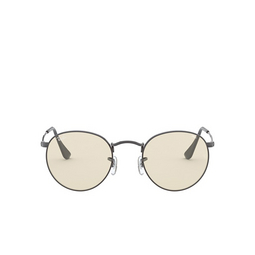 Ray-Ban® Sunglasses: Round Metal RB3447 color Gunmetal 004/T2.