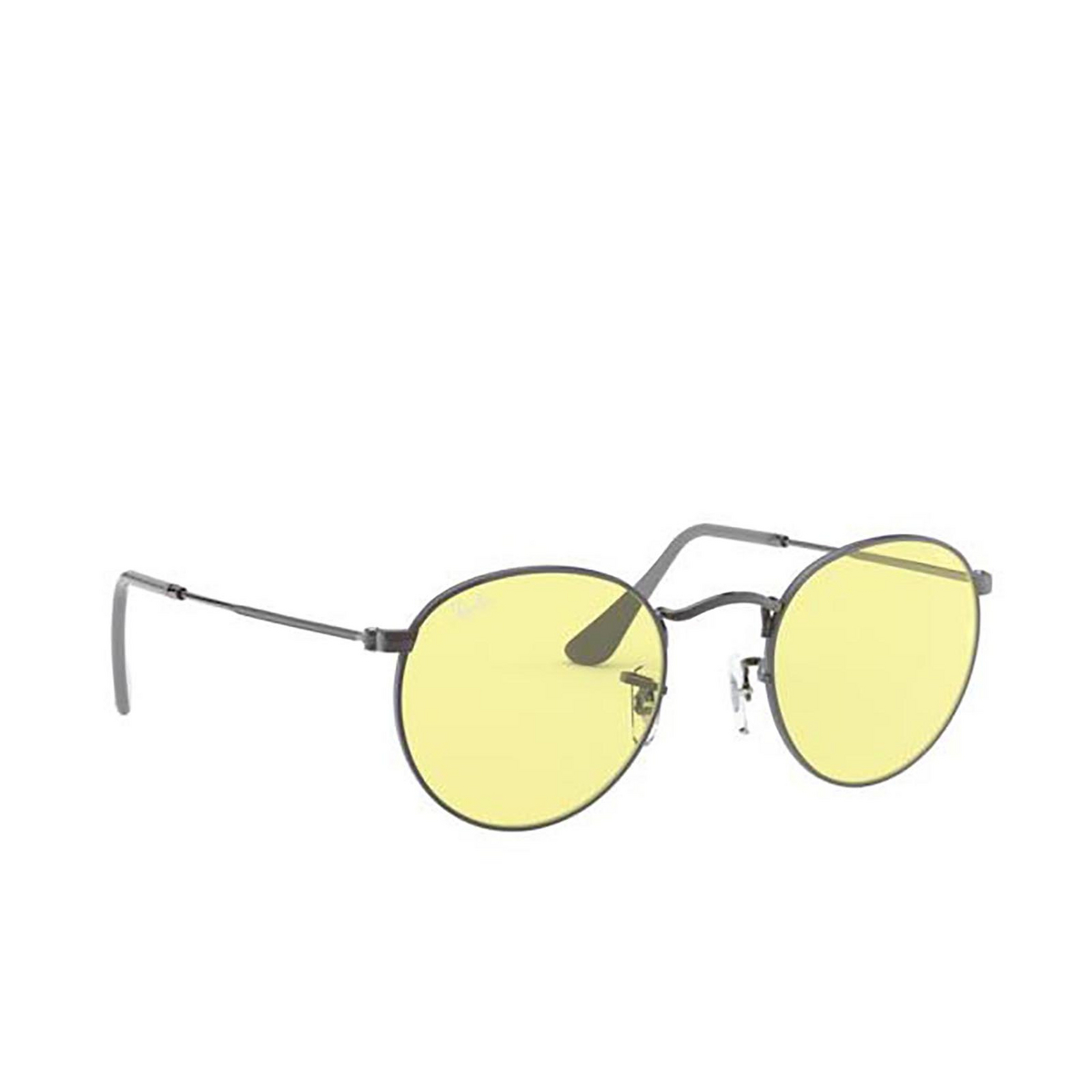 Ray-Ban® Round Sunglasses: Round Metal RB3447 color Gunmetal 004/T4.