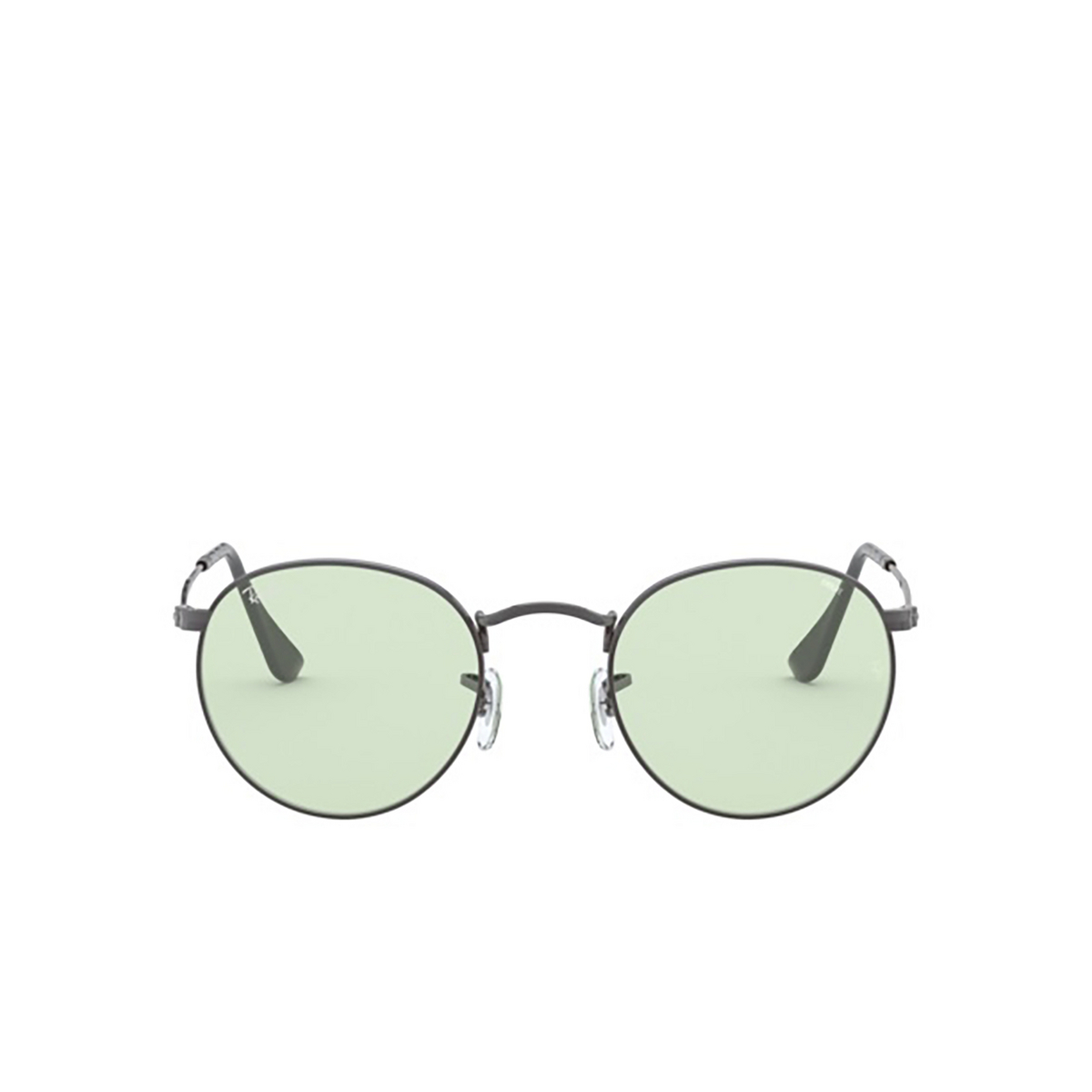 Ray-Ban® Round Sunglasses: Round Metal RB3447 color Gunmetal 004/T1 - front view.