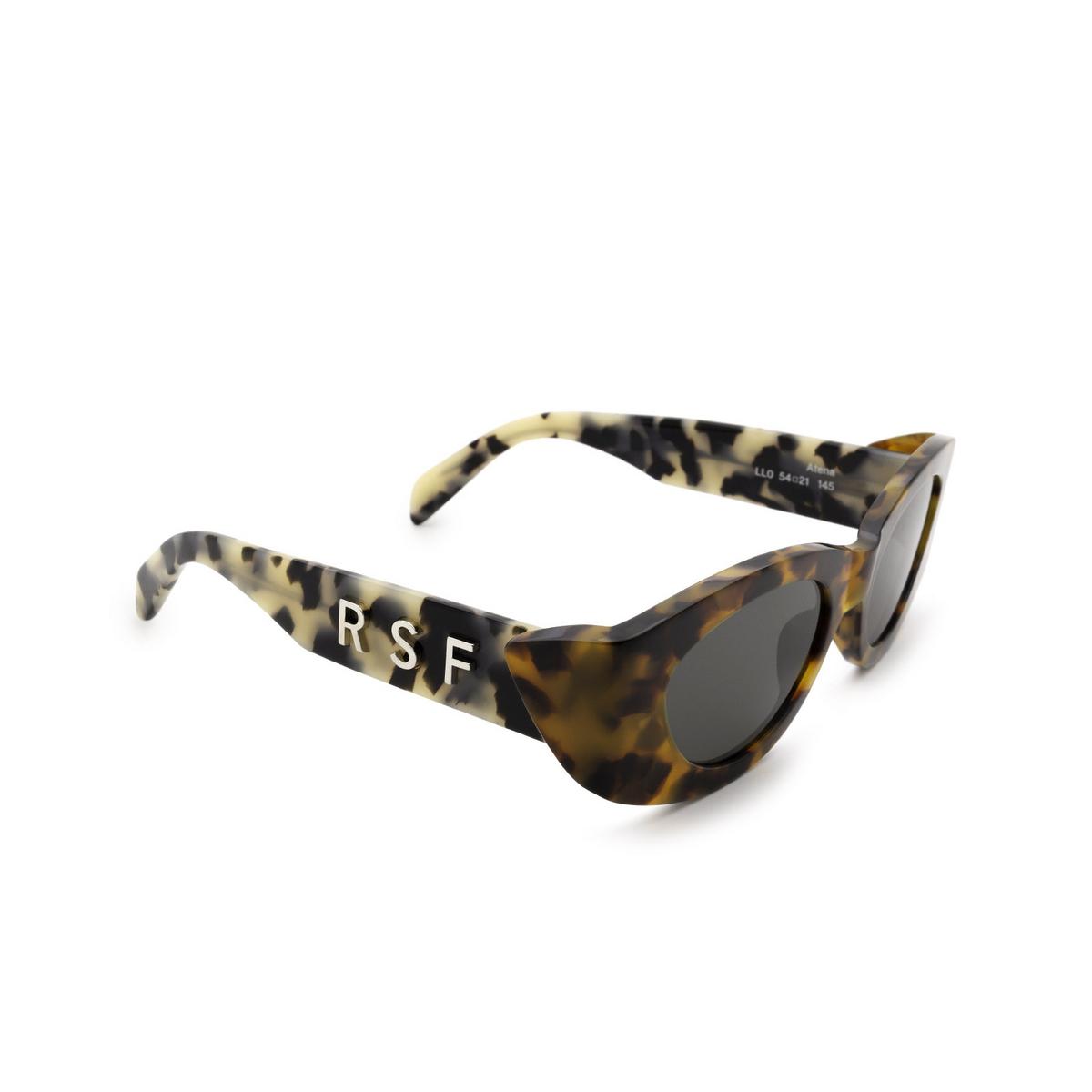 Retrosuperfuture® Oval Sunglasses: Atena color Orgia Havana LL0 - three-quarters view.