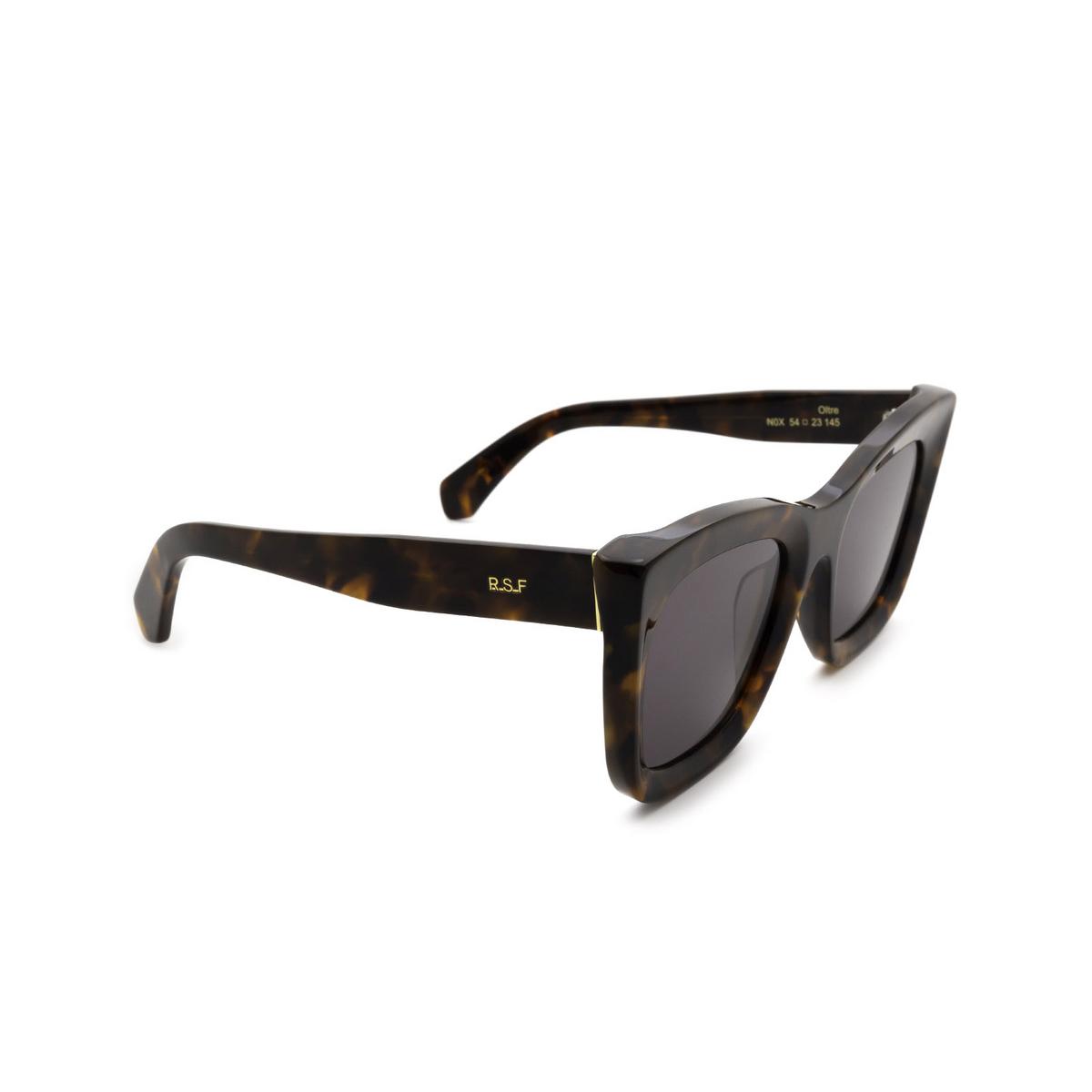 Retrosuperfuture® Square Sunglasses: Oltre color Classic Havana N0X - three-quarters view.