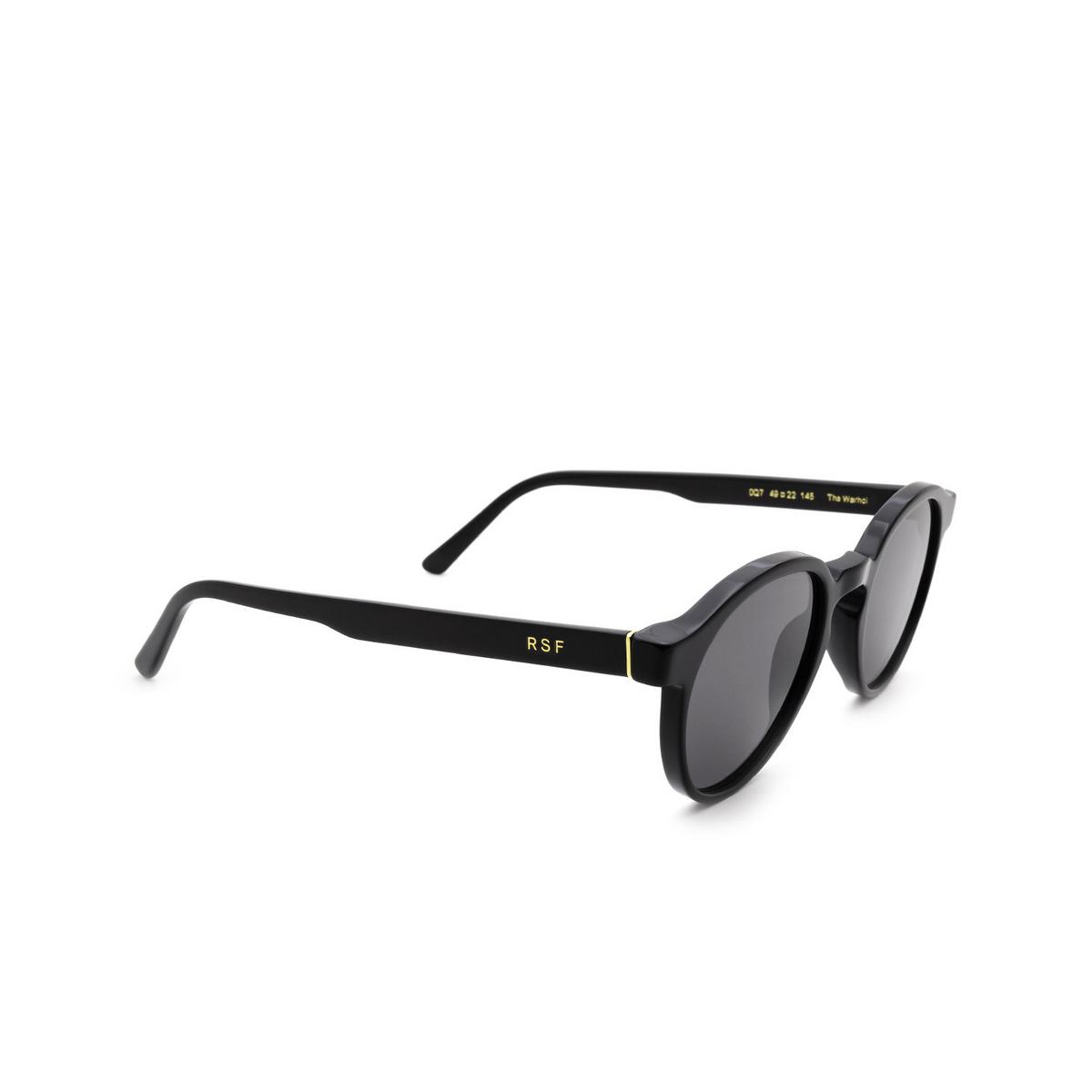 Retrosuperfuture® Round Sunglasses: The Warhol color Black 0Q7 - three-quarters view.