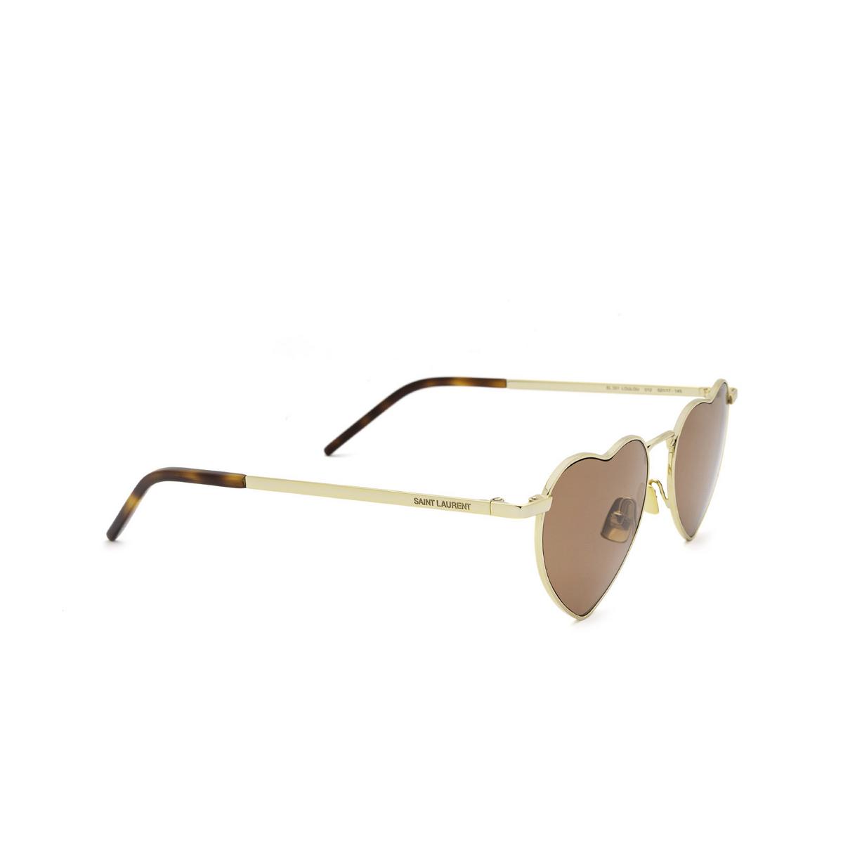 Saint Laurent® Irregular Sunglasses: Loulou SL 301 color Gold 012 - three-quarters view.