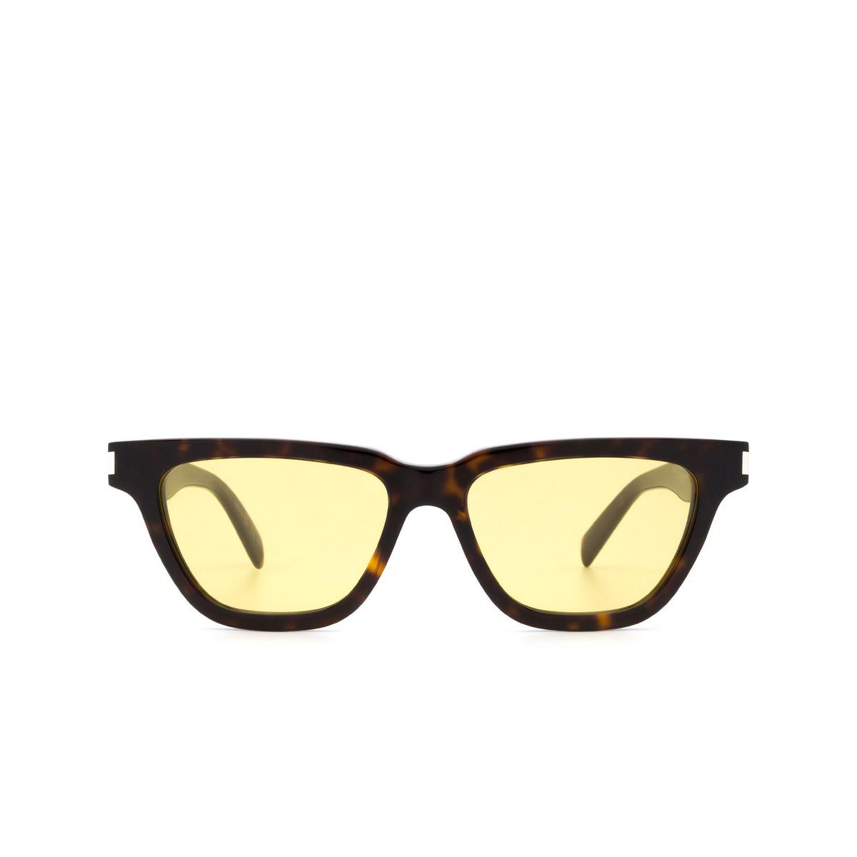 Saint Laurent® Cat-eye Sunglasses: Sulpice SL 462 color Havana 004 - front view.