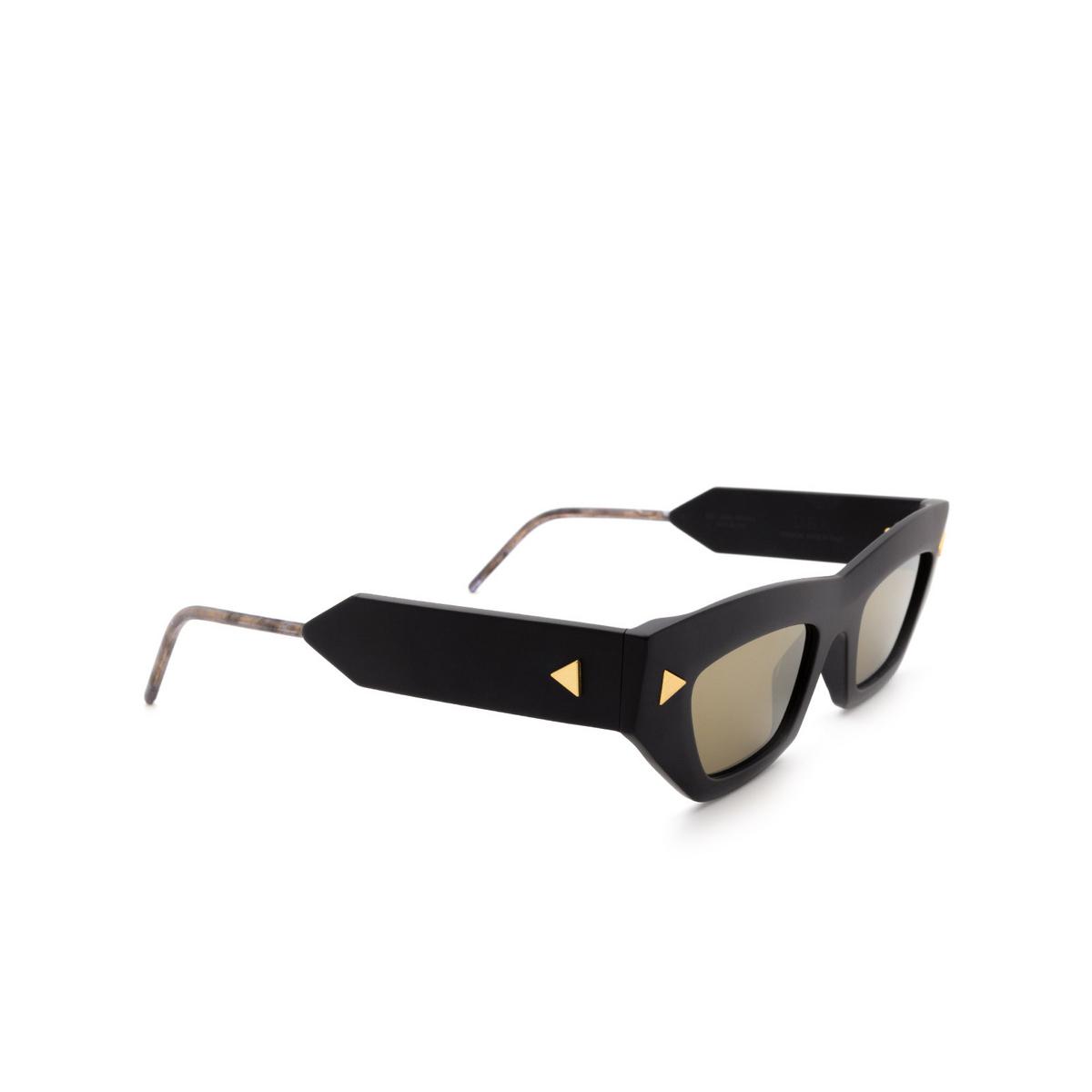 Soya® Cat-eye Sunglasses: Dea color Matte Black Bkm-g - three-quarters view.