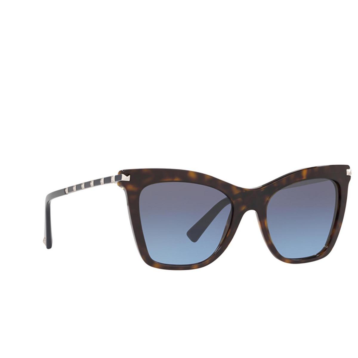 Valentino® Cat-eye Sunglasses: VA4061 color Havana 50028F - three-quarters view.