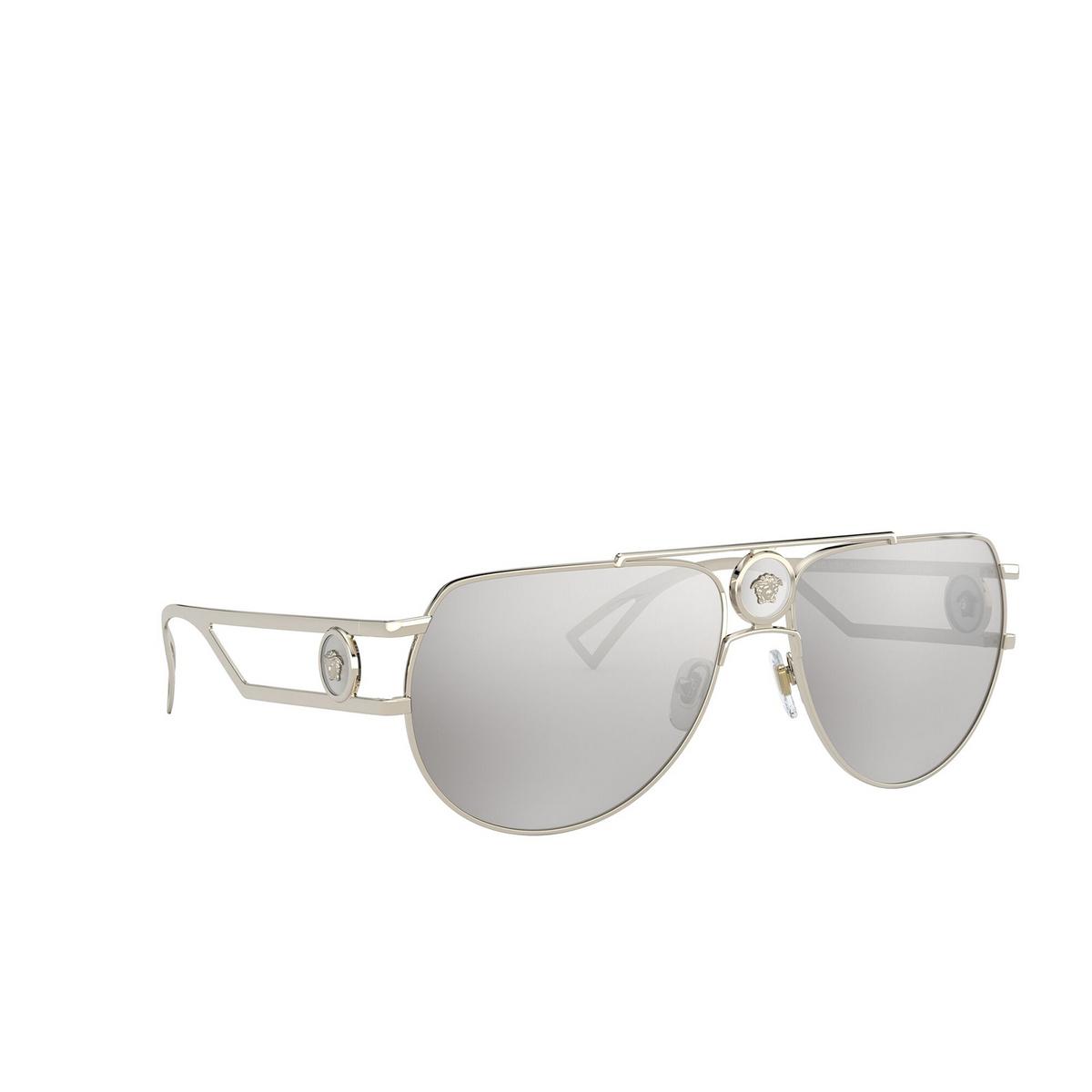 Versace® Aviator Sunglasses: VE2225 color Pale Gold 12526G - three-quarters view.