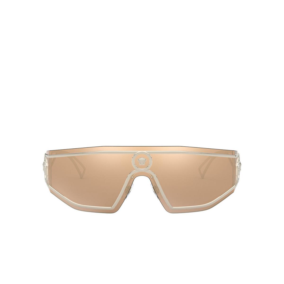 Versace® Mask Sunglasses: VE2226 color Pale Gold 12527P - front view.