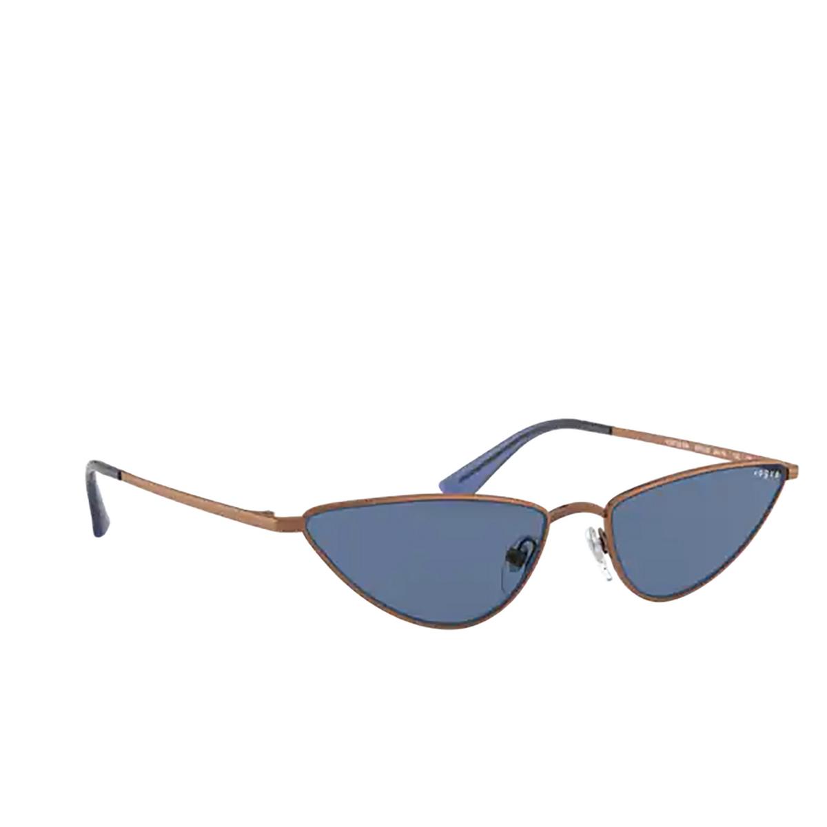 Vogue® Cat-eye Sunglasses: La Fayette VO4138SM color Copper 507420 - three-quarters view.