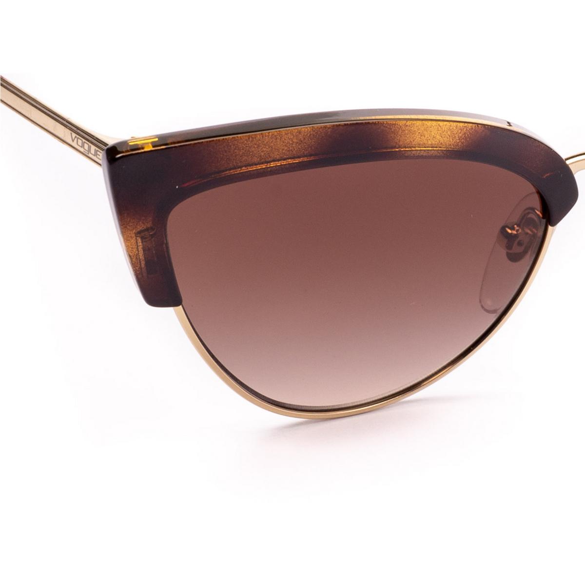 Vogue® Cat-eye Sunglasses: VO5212S color Top Dark Havana / Pale Gold W65613 - 3/4.
