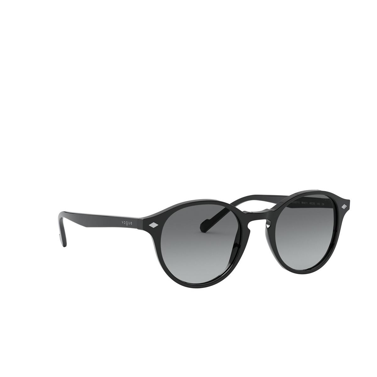Vogue® Round Sunglasses: VO5327S color Black W44/11 - three-quarters view.