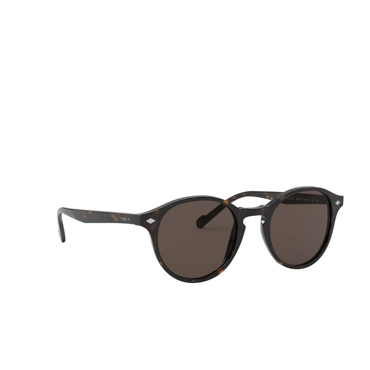 Vogue® Round Sunglasses: VO5327S color Dark Havana W65673 - three-quarters view.