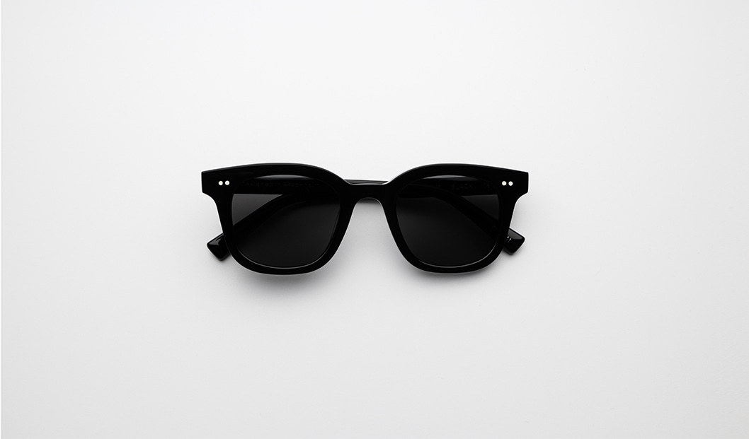 CHIMI 02 BLACK Polarized black sunglasses trend