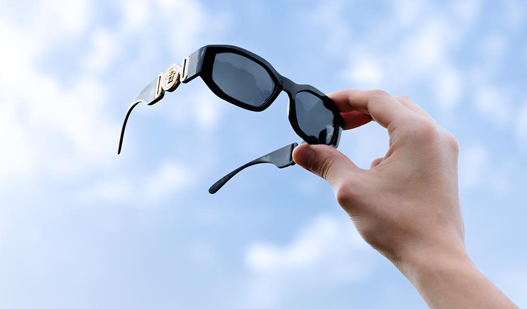 Versace VE4361 GB1-87 black sunglasses trend